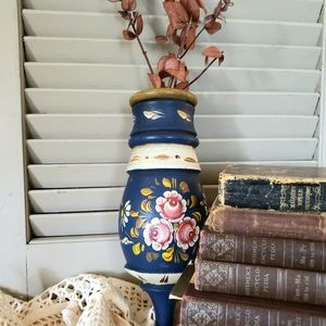 Tole Painted, Rosemaling Wooden Wall Sconce
